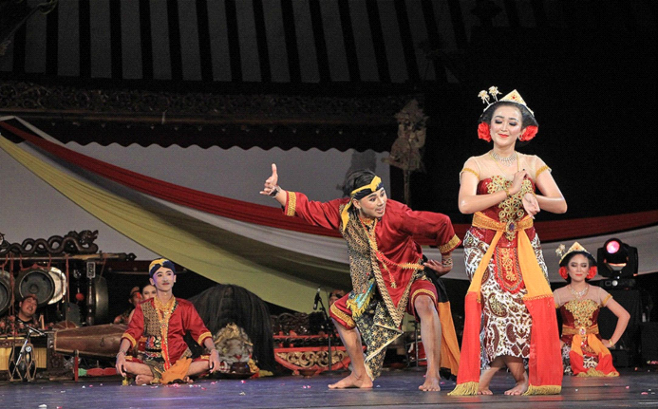 Tim Kesenian Blora Sukses Tampil di TBJT Surakarta